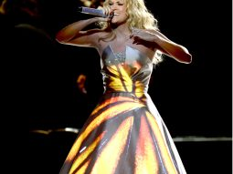 7 bí quyết rạng rỡ và thành công như Carrie Underwood