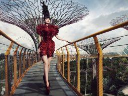 Skyhigh runway của Jessica Minh Anh lần đầu đến Singapore
