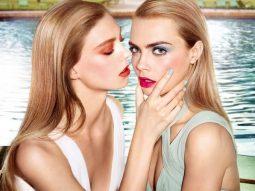 Cara Delevingne quảng cáo son mới với hình ảnh đồng giới