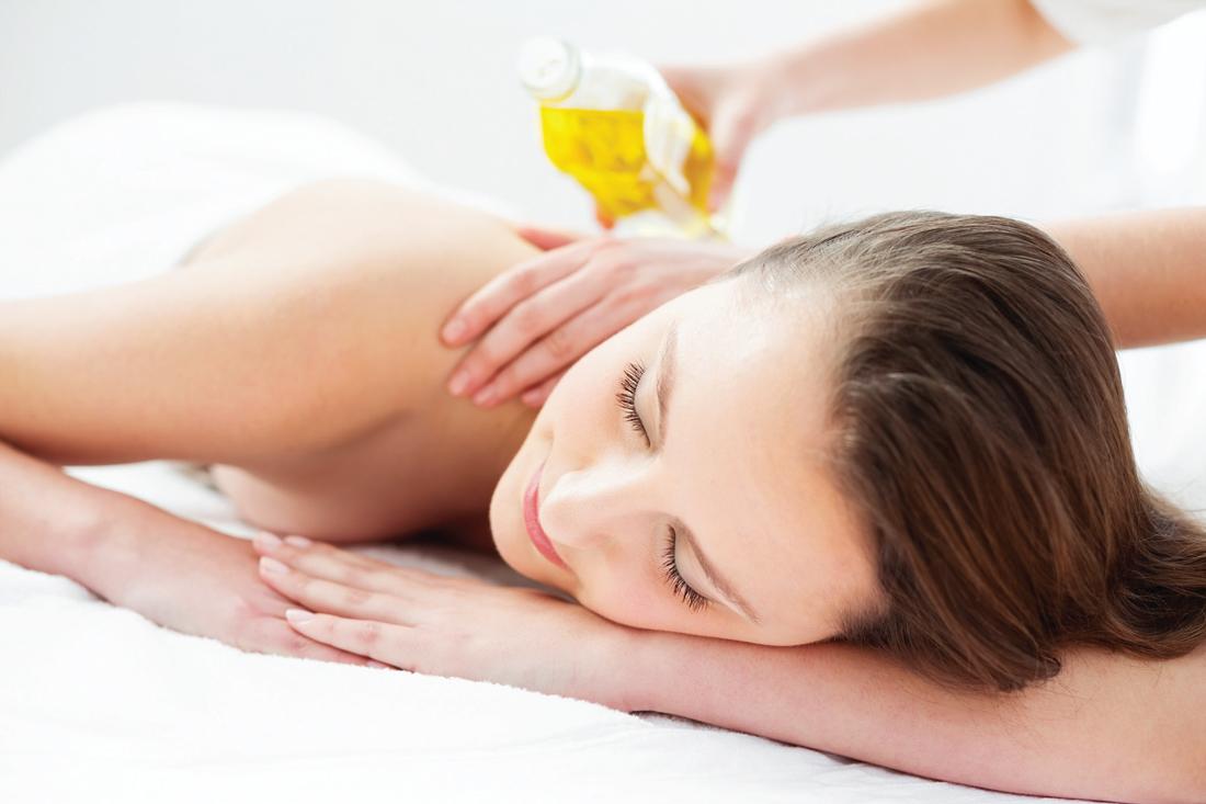 Dầu nào dưỡng da tốt nhất: Top các loại dầu thiên nhiên bạn nên thử