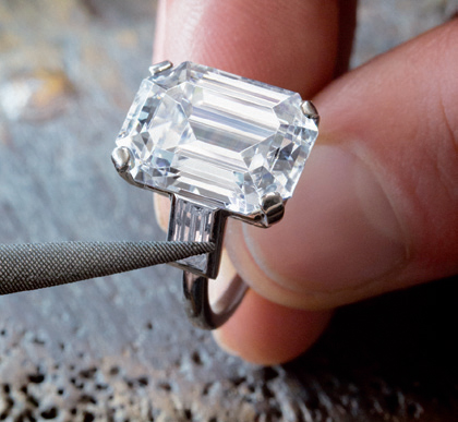Chiếc nhẫn đính hôn kim cương 10,47 carat