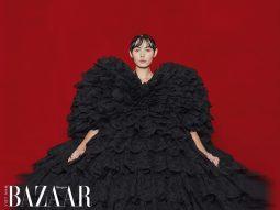 Balenciaga Xuân Hè 2022 cho nữ: Gvasalia tái định nghĩa thời trang thảm đỏ