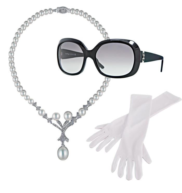 Ba món luôn gắn liềnvới hình ảnh của đệ nhấtphu nhân Jackie O: vòng cổ ngọc trai, Unique, kính mát Jackie O, Salvatore Ferragamo, một đôi găng tay màu trắng bằng lụa pha cotton