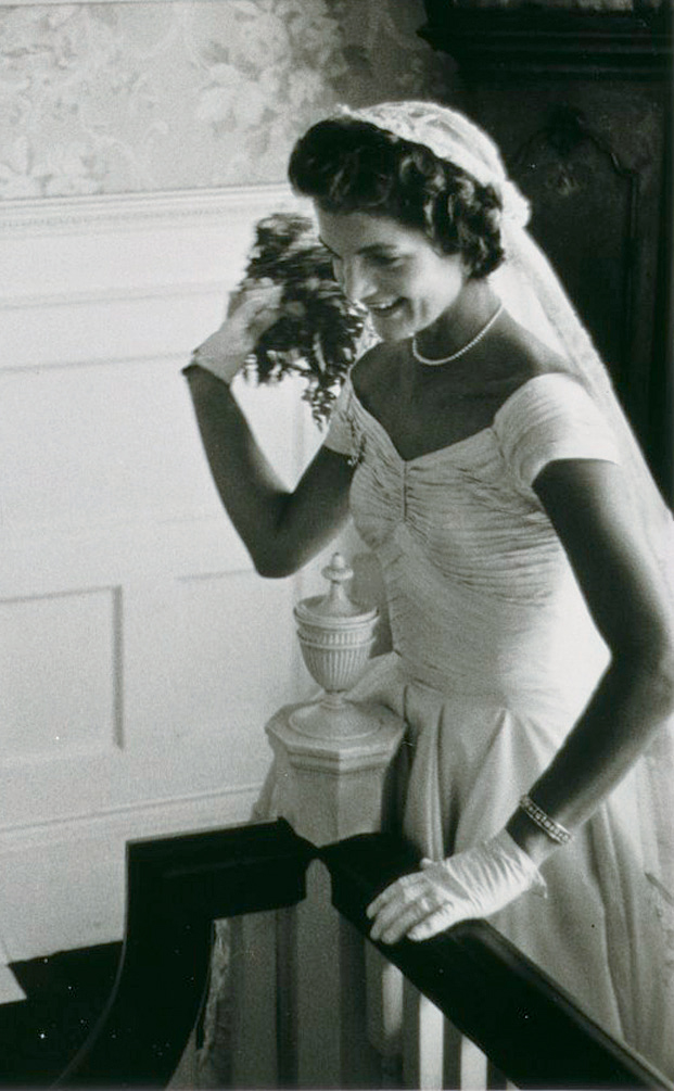 Hình ảnh thanh lịch của Jackie O trong ngày cưới