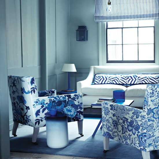 blue-and-white-living-room-decor
