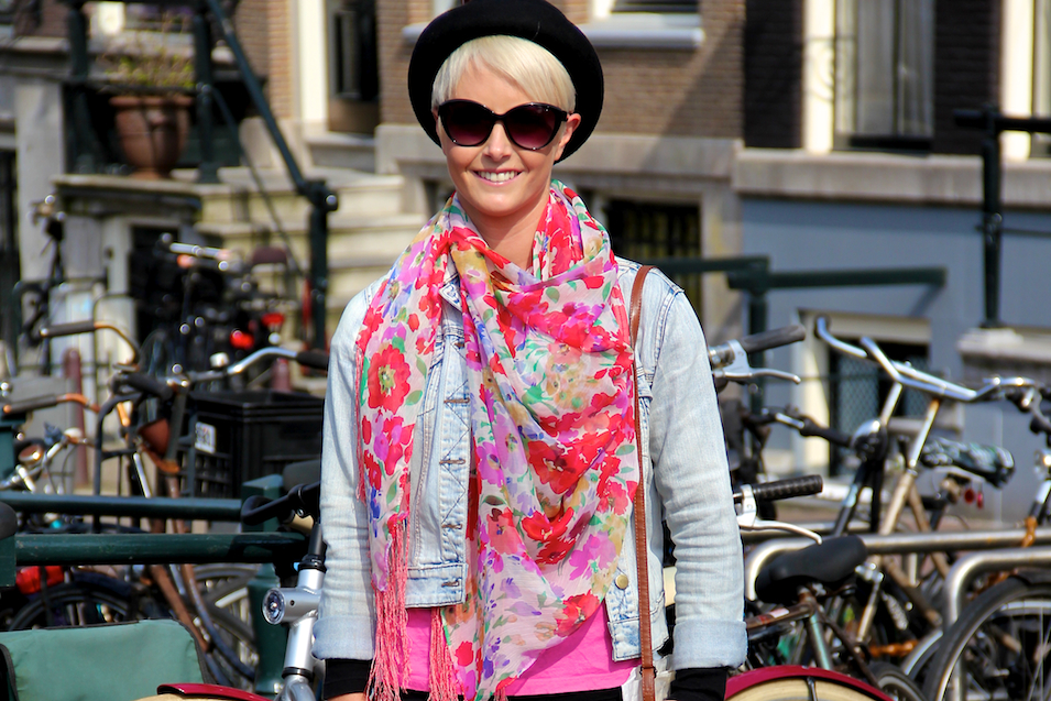 Amsterdam-Street-Style_Fashion_Floral-Scarf_Hat-Population