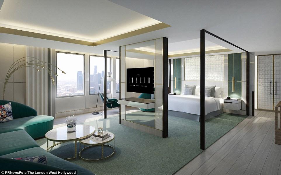 Phòng ngủ master bao gồm một giường king-size, màn và thảm đều do Vivienne Westwood thiết kế riêng