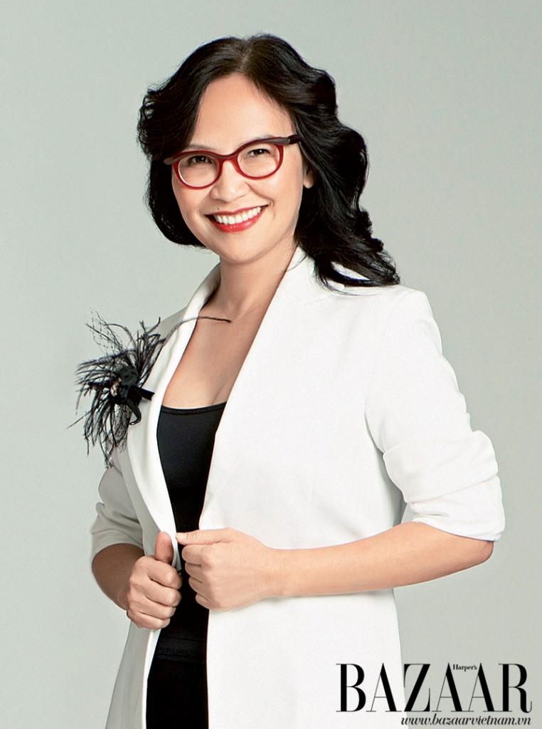 Chị Trần Nguyễn Thiên Hương, trưởng văn phòng đại diện phía Nam tạp chí Harper's Bazaar
