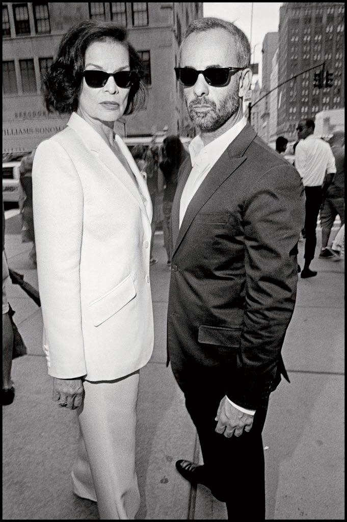 Bianca Jagger và Francisco Costa, giám đốc sáng tạo của thương hiệu Calvin Klein