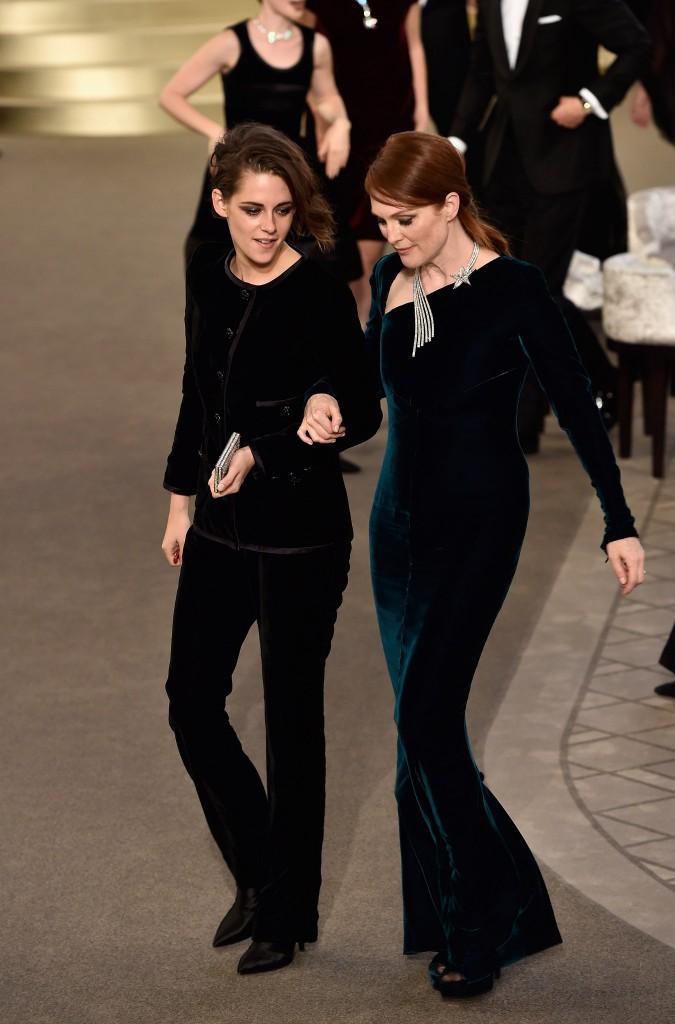 Kristen Stewart và Julianne Moore