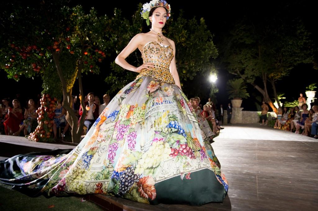 dolce-gabbana-alta-moda-fall2015-11