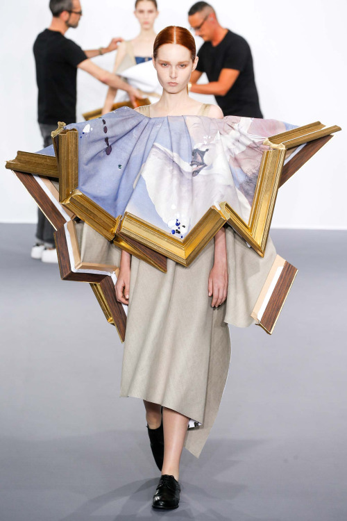 viktor-rolf-COUTURE-FALL2015-17