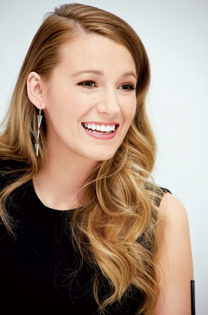 BZ_Fabulous_BlakeLively_8_15-3
