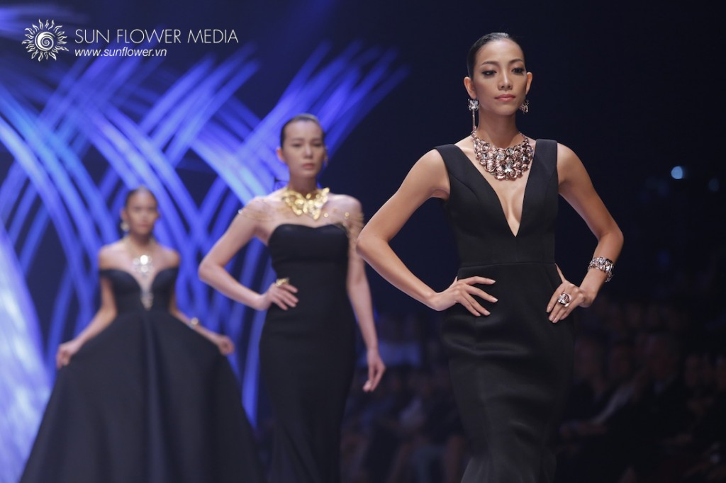 COUTURISSIMO-VN-INTERNATIONAL-FASHION-WEEK-2015-0968