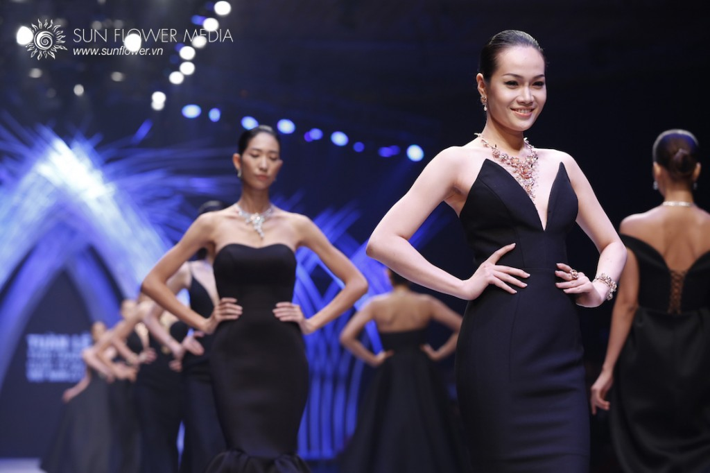 COUTURISSIMO-VN-INTERNATIONAL-FASHION-WEEK-2015-0984