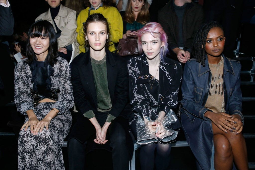 LOUIS-VUITTON-FRONT-ROW-bae-donna