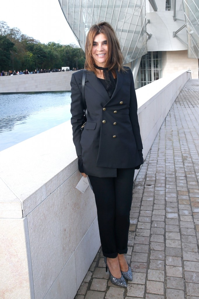 LOUIS-VUITTON-FRONT-ROW-carine