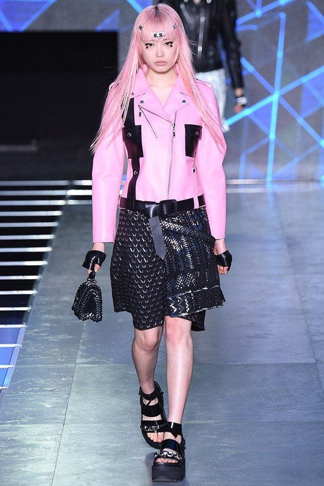 Louis-Vuitton-spring-2016-rtw-show-0
