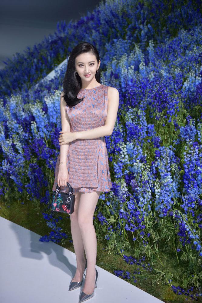 Nữ diễn viên Trung Quốc Cảnh Điềm cũng là một khách mời trong show