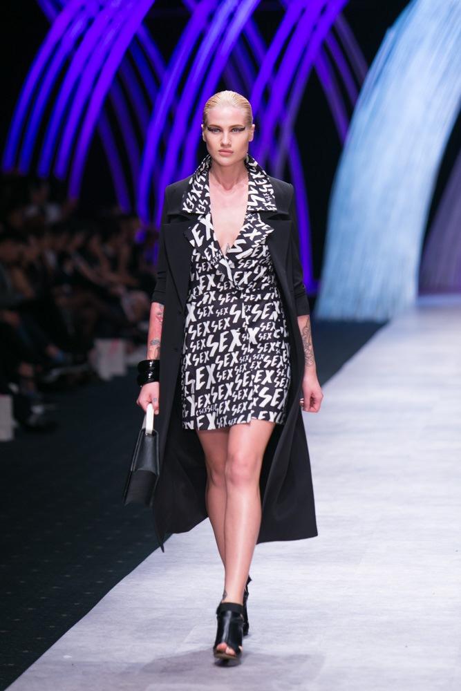 Karolina G trong thiết kế của Adrian Anh Tuấn