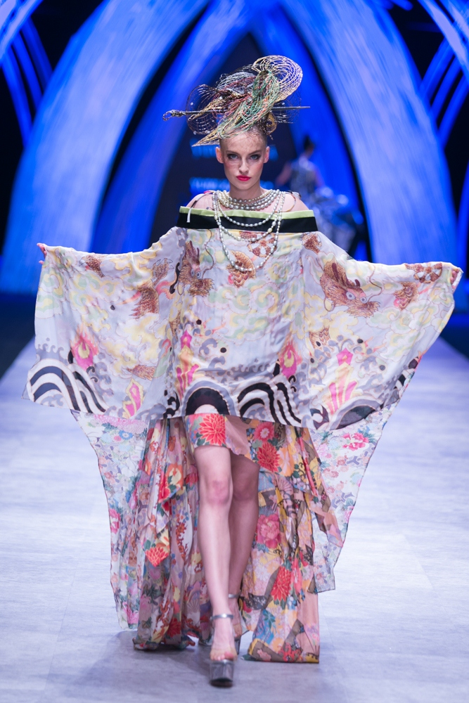 poland-next-top-model-2015-vietnam-international-fashion-week-2015-6