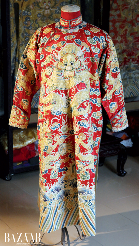 Bộ trang phục Hoàng tử triều Nguyễn được chế tác trong một năm