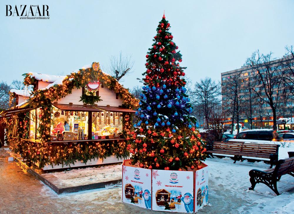 Từ giữa tháng 11, các đường phố nơi đây đã tràn ngập không khí Giáng sinh