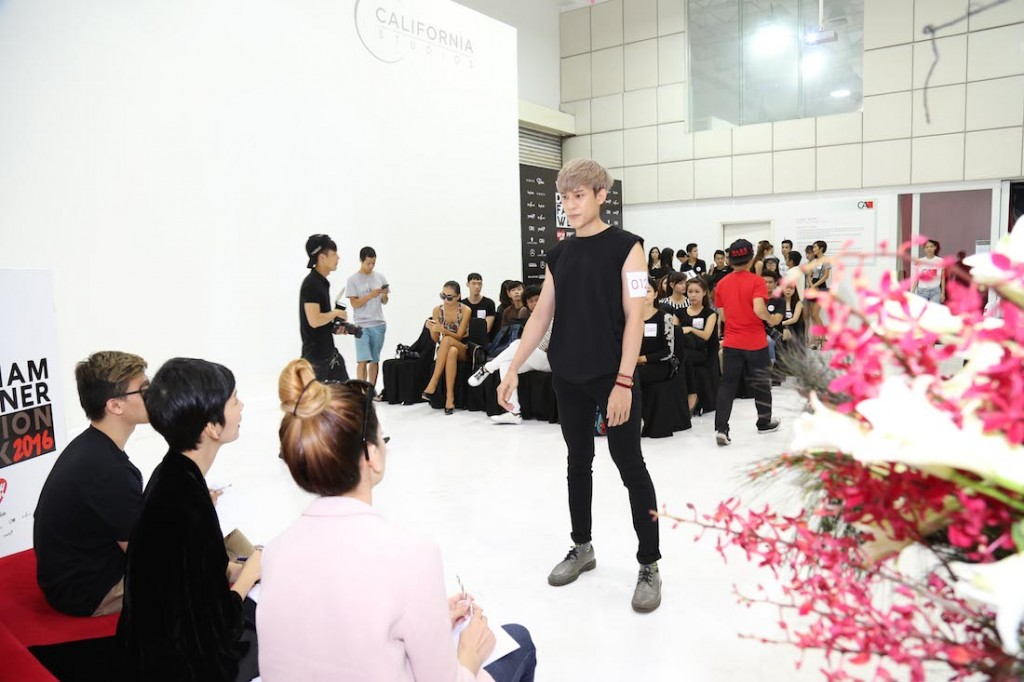hong-xuan-nguyen-hop-casting-vietnam-designer-fashion-week-2016_0948