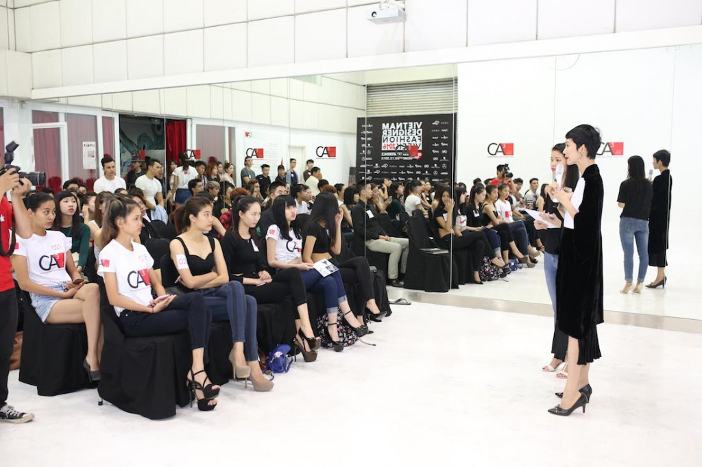 hong-xuan-nguyen-hop-casting-vietnam-designer-fashion-week-2016_2363