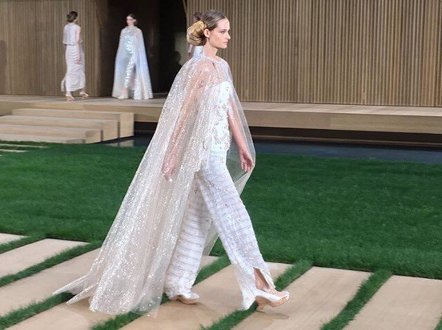 05-chanel-couture-cape