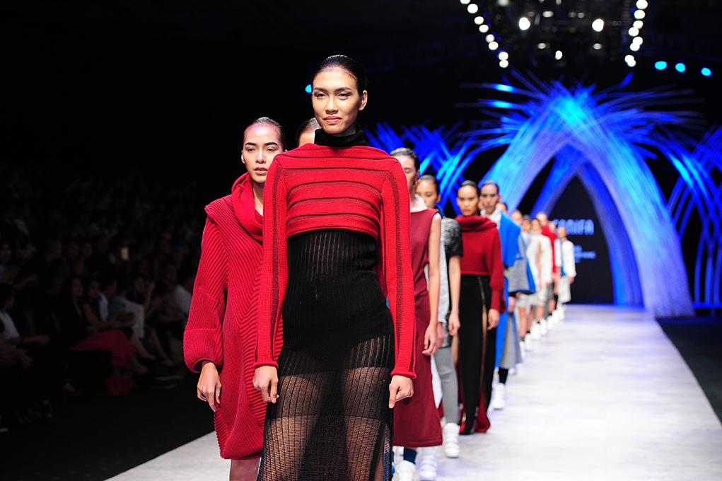 Bộ sưu tập Châu Chấn Hưng thiết kế cho Canifa trình diễn tại Vietnam International Fashion Week 2015