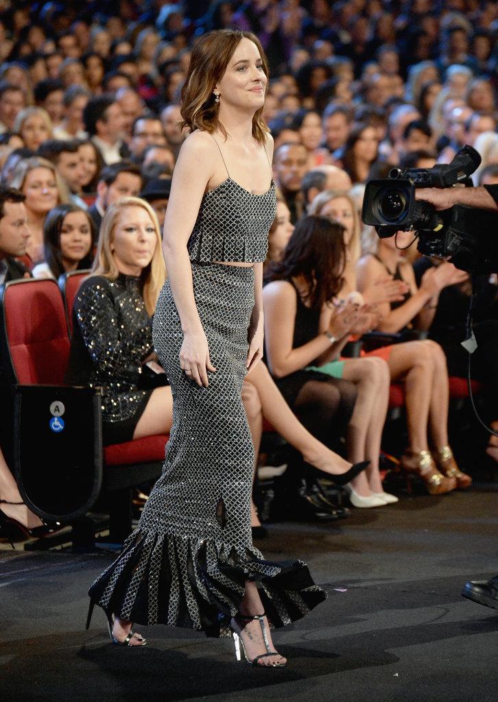 Dakota-Johnson-People-Choice-Awards-2015-bestdressed