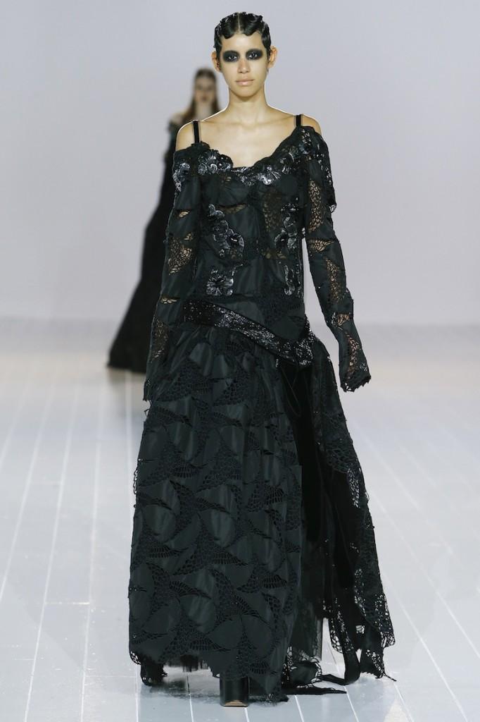 Một thiết kế trong bộ sưu tập Thu Đông 2016 đậm chất Gothic của Marc Jacobs