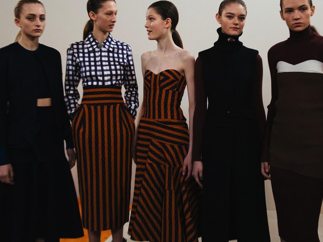 Bộ sưu tập mới nhất của Victoria Beckham mùa Thu Đông 2016 RTW tại tuần lễ thời trang New York.