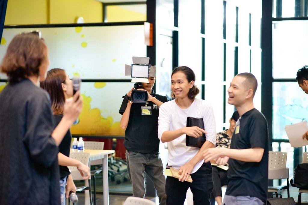Nhà thiết kế Hoàng Tú cùng giám đốc sáng tạo Dzung Yoko
