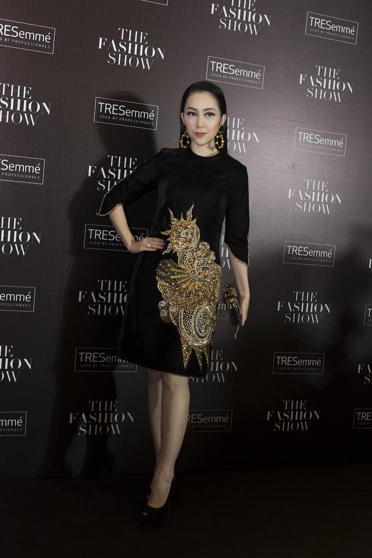 Linh Nga, nàng thơ của Tùng Vũ diện bộ đầm mới của anh