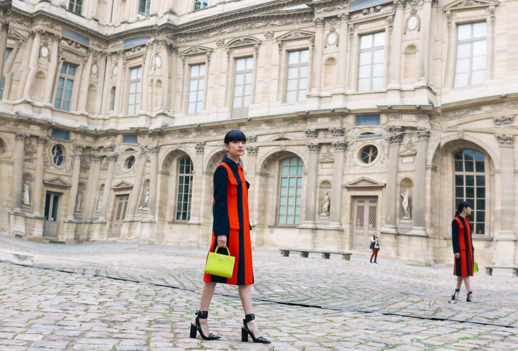 Kozue Akimoto mặc trang phục Christian Dior