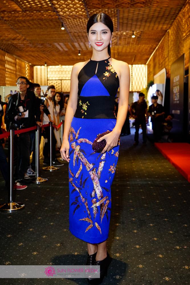 Nữ diễn viên Kim Tuyến cuốn hút trong thiết kế ôm sát khoe khoé thân hình chuẩn từ Tiny Ink