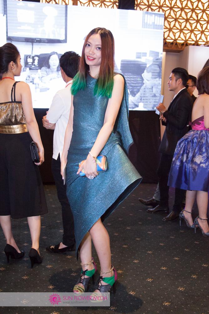 Fashionista Thythu trong một thiết kế lạ mắt từ NTK Lê Thanh Hoà