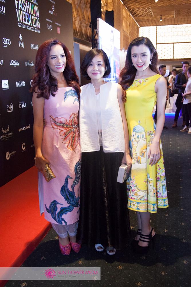 Cựu người mẫu Thuý Hạnh chụp ảnh cùng NTK Hoàng Quyên - Tiny Ink và Nữ hoàng trang sức 2015 - Phương Chi