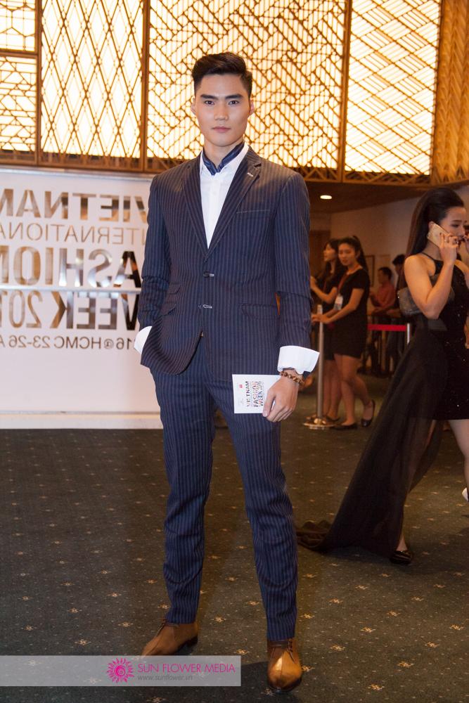 Quán quân Next Top Model, Quang Hùng điển trai xuất hiện trên thảm đỏ