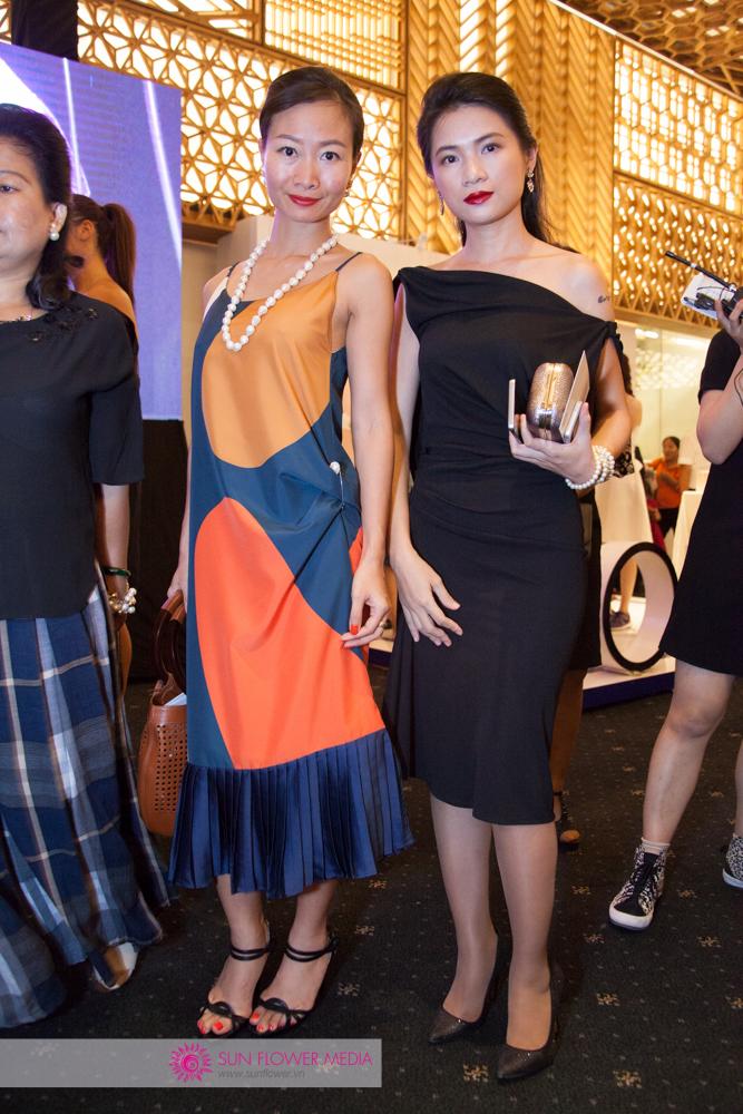 Nữ doanh nhân Lê Hoàn cùng đến tham dự chương trình trong chiếc đầm cách điệu của NTK Li Lam