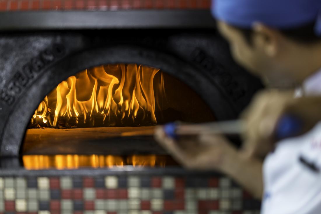 Lò bánh có thể nướng chín Pizza dưới 1 phút