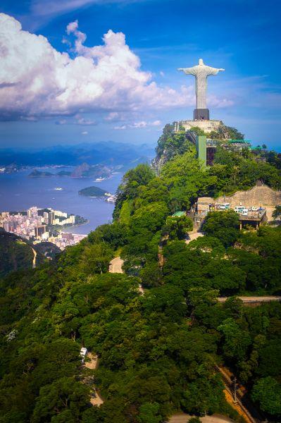Quang cảnh ngoạn mục của  Rio de Janeiro từ trên cao
