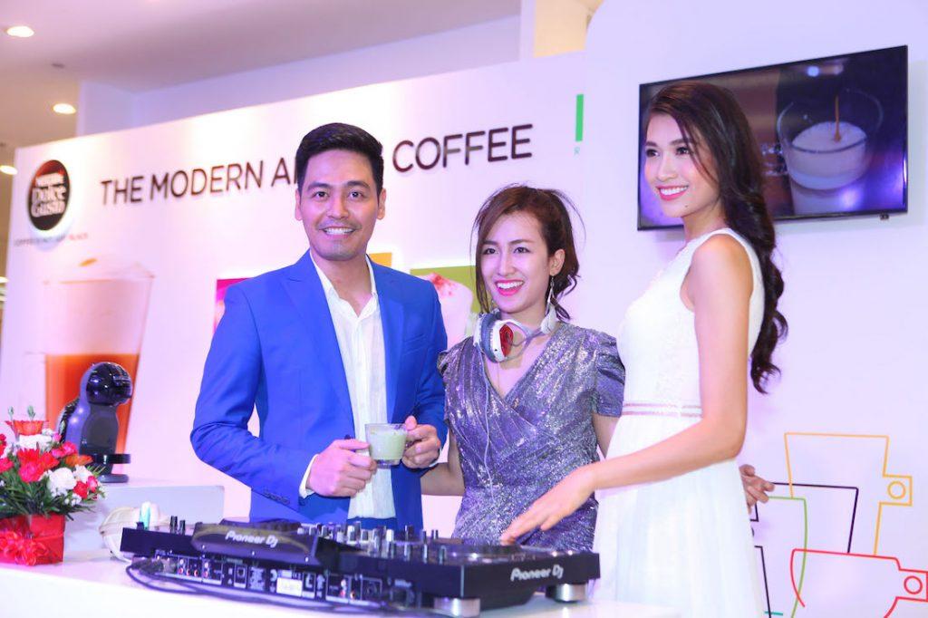 MC Phan Anh, DJ Trang Moon và á hậu Lệ Hằng hội ngộ để cùng thưởng thức cà phê