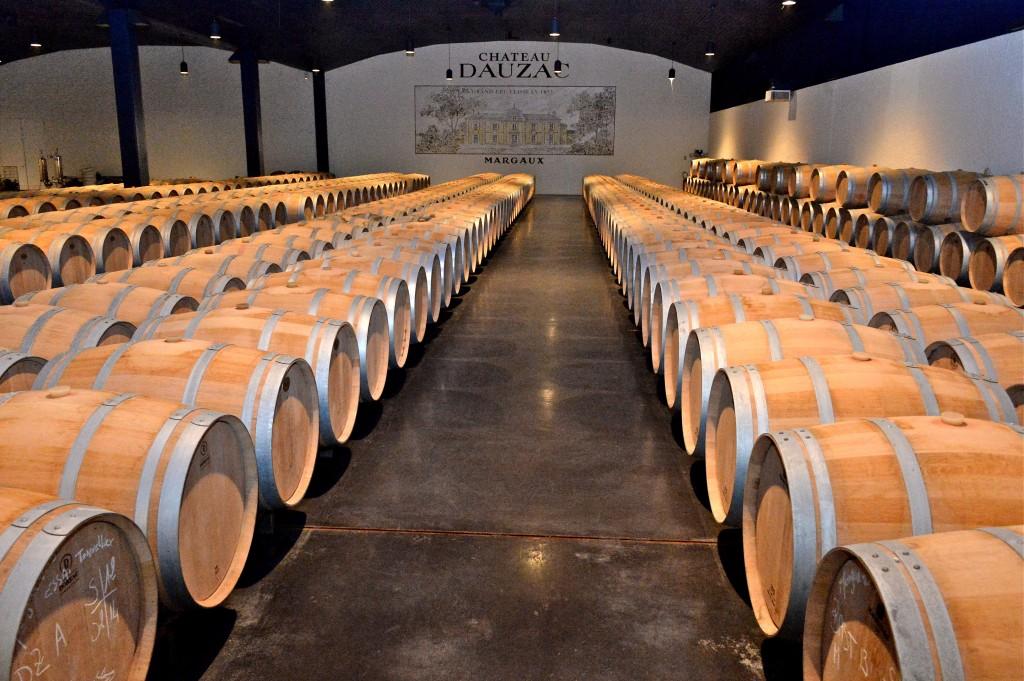 Tham quan xưởng sản xuất rượu vang và thử rượu tại chỗ sẽ là trải nghiệm khó quên cho bạn