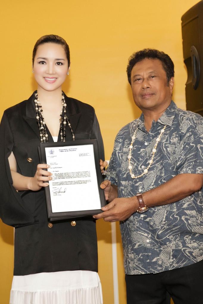 Hoa hậu Đền Hùng, nữ doanh nhân Giáng My đến thăm quốc đảo Palau và nhận vai trò Đại sứ Thiện chí Danh dự từ Tổng thống Cộng hòa Palau Tommy E. Remengesau