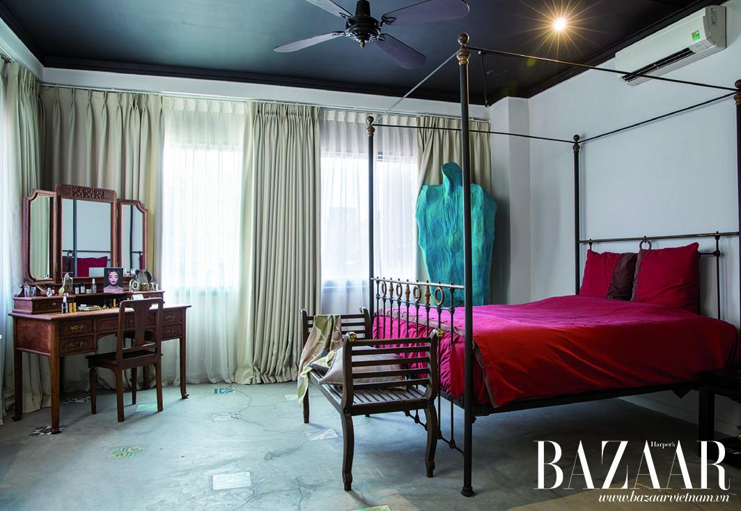 Phòng ngủ với hướng nhìn ra sông Bạch Đằng và phổ đi bộ Nguyễn Huệ