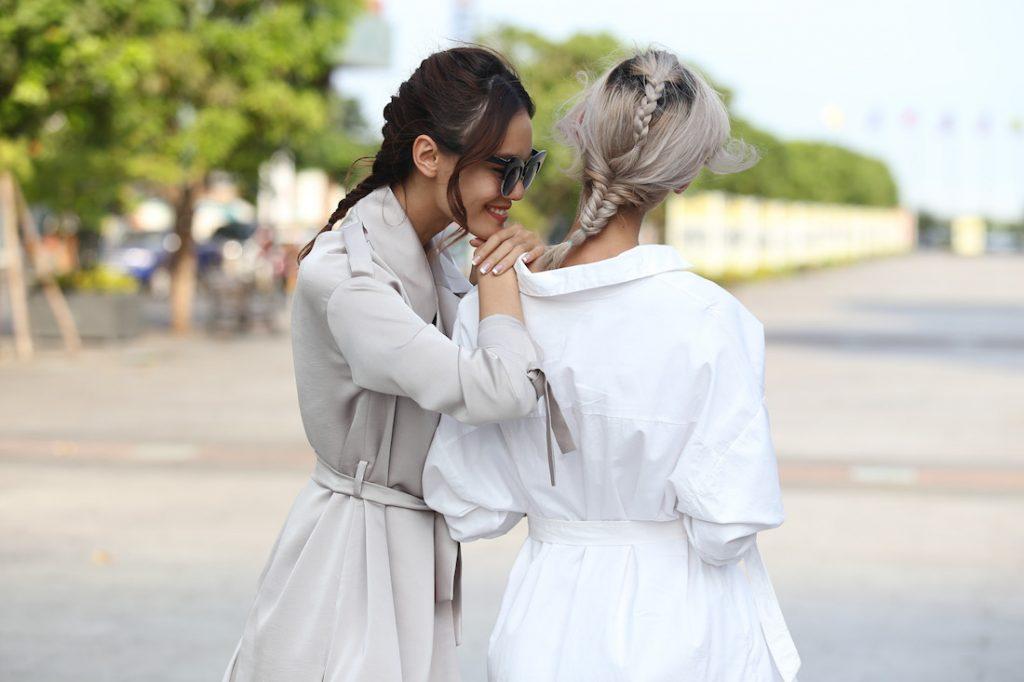 Thanh Thảo - Hằng Nguyễn cùng diện shirt dress