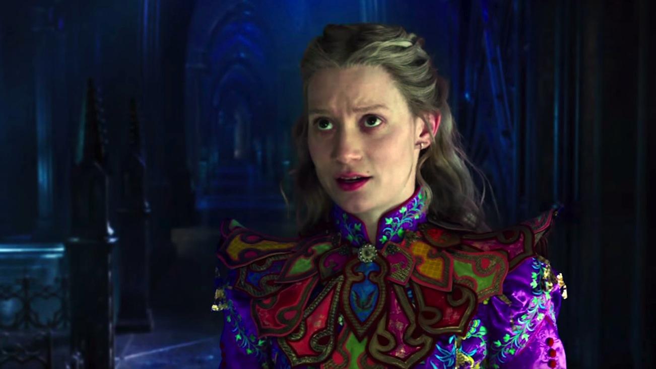 Trang phục chính của Alice trong phim